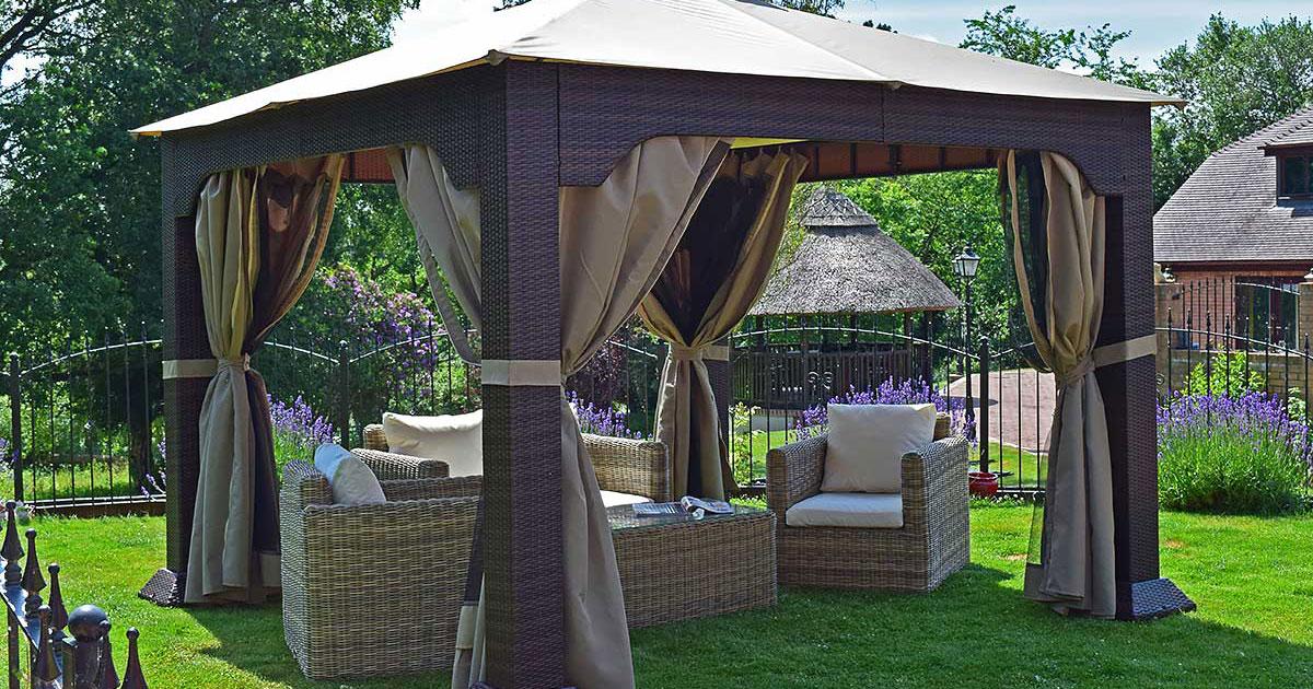 Paviljonki sopii mainiosti terassille tai puutarhaan